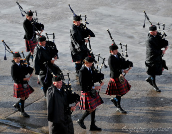 2012_09_04_19_17_burgh_of_tain_pipe_band.jpg
